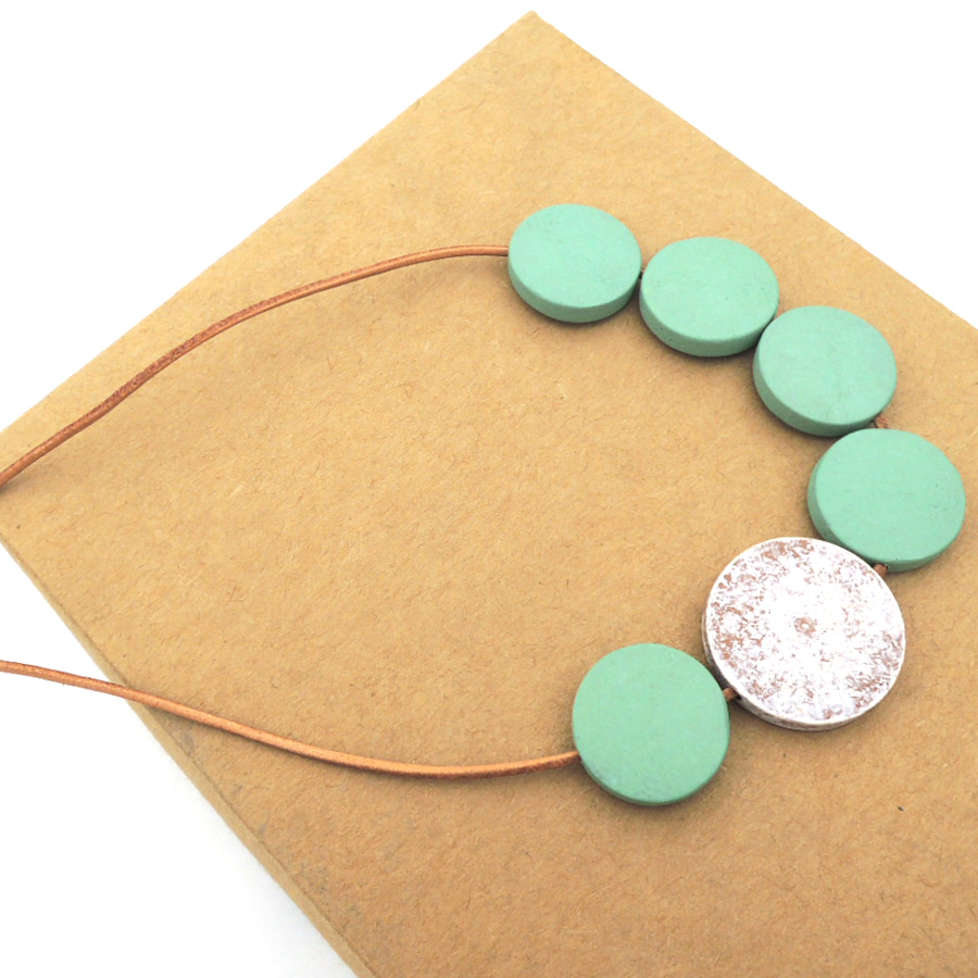 ASYMMETRIC disk geometric wood necklace pandant minimalist statement PALE COLOR blue CHEAP LIGHT WEIGHT NW293b