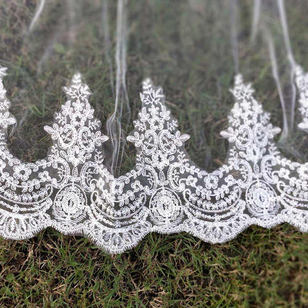 Echt Fotos 2 Schichten Pailletten Spitze 3 Meter Kathedrale Woodland Hochzeit Schleier mit Kamm 3 M Lange Weiß Elfenbein 2 T Braut Schleier