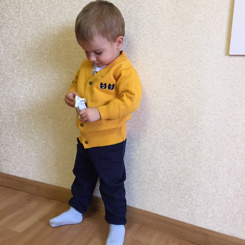 2017 Autumn childrens clothing boy sweater childrens sweater baby long sleeve line clothing childrens jacket V neck