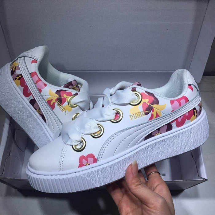 763965a454d 2018 PUMA Suede Cleated Creeper Women s First Generation Rihanna Joint  qualif Classic Basket Tone Simple Badminton