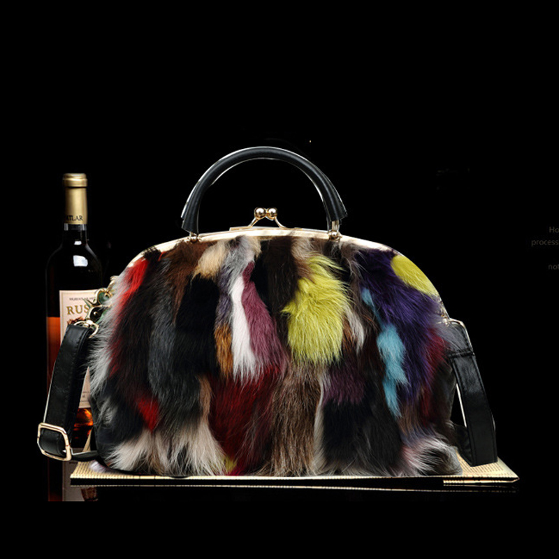 цена 2017 Autumn and winter New Fashion Bag Real Fur Bag Famous Brand Women Messenger Bag Women's multicolor Fox fur Handbag