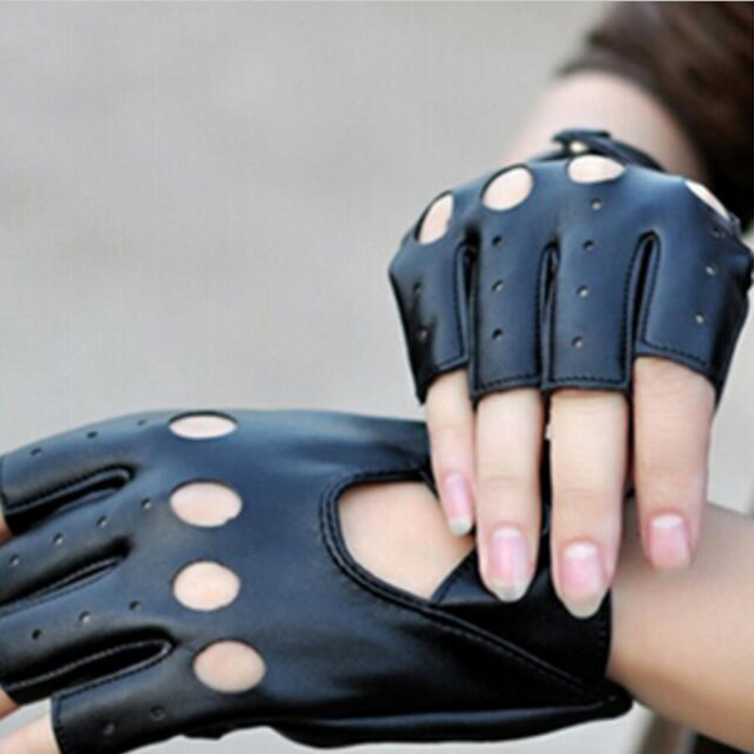 Fahion 1Pair Half Finger Driving Women Fashion Gloves Pu Leather Fingerless Gloves Black Womens Hand Mittens Luvas