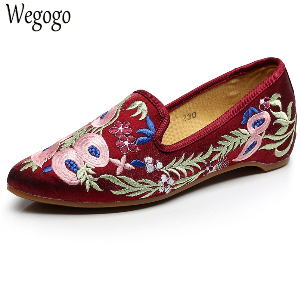 Chinese National Women Flats Shoes Vintage Embroidery Pointed Toe Comfort Slip-on Ballet Shoes Woman Soft Zapatos De Mujer 2017 summer spring women ballet flats round toe slip on shoes woman flower bowknot loafers vintage zapatos mujer canvas