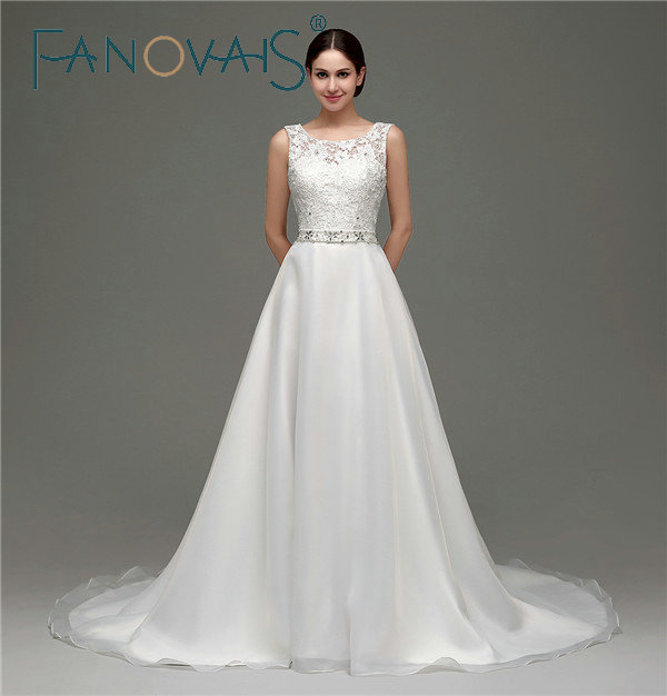 In Stocks Sleeveless Scoop Neck Tulle Lace Wedding Dresses Court Train Crystals Beaded A-line Backless Wedding Gown