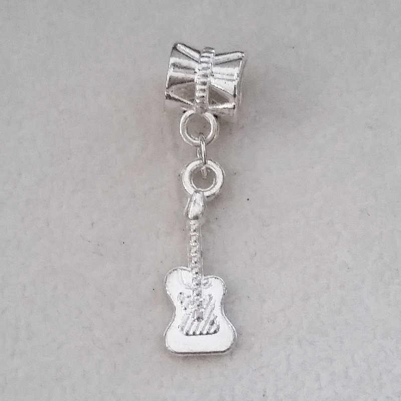 جديد مجوهرات Accessoires1PC الغيتار سحر فضة استرخى الخرزة ل باندورا الأوروبي سحر diy أساور النساء أساور