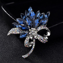 Korean Suit Sweater Flower Blue Pink Rhinestone Crystal Collar Pins and Brooches