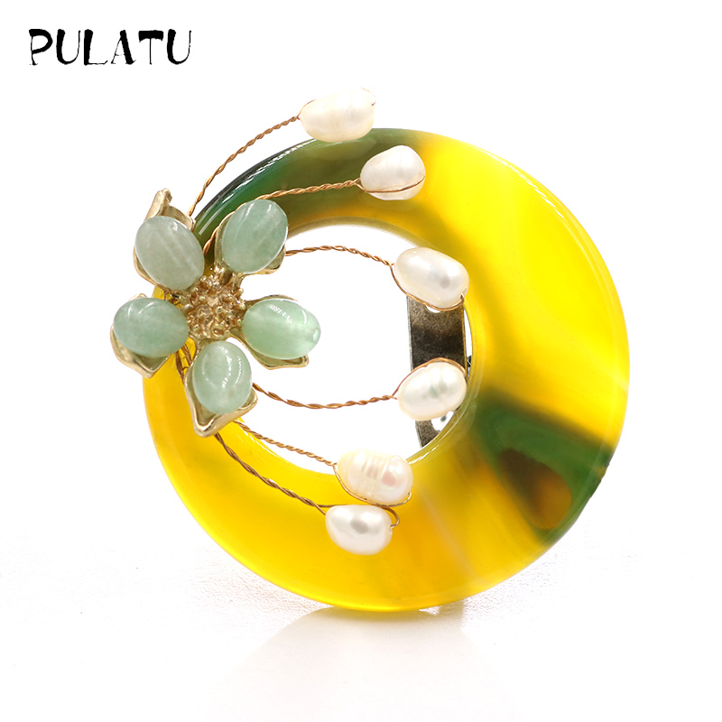 Pulatu Natural Stone Round Flower Brooches Women Fashion Jewelry Brooch Pins Accessories Natural Pearl Inlay Stone Brooch Pin chic faux gem inlay dragonfly shape brooch for women