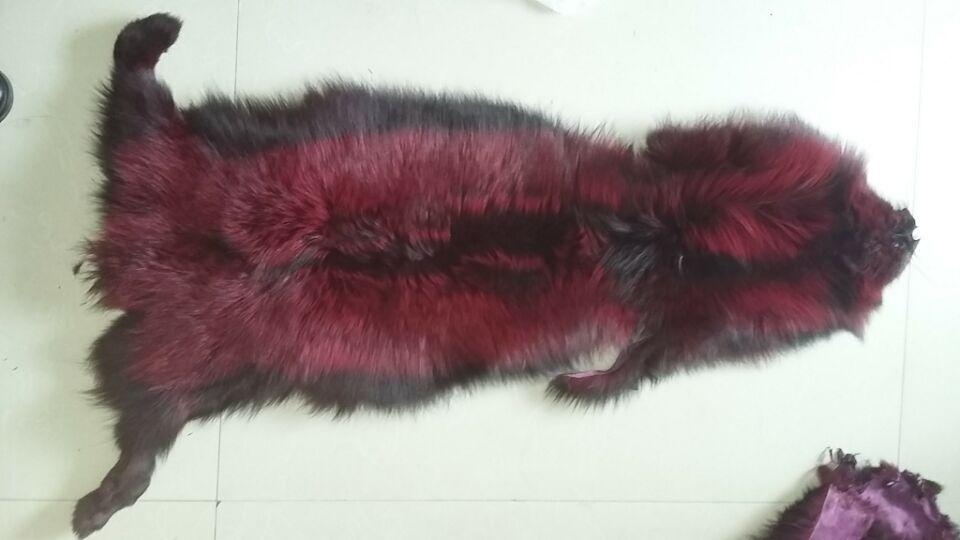Peau de fourrure de renard rouge de colorant cru de haute qualité/peau de fourrure de renard argenté