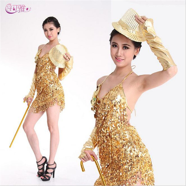 Vestida de blanco gold salsa
