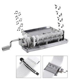 Image 2 - 30 הערה מכאני מוסיקלי תיבת קלטת יד Crank מוסיקה תנועת תיבת חלק + אגרופן עם 3 רצועות DIY שירים מושלם מתנת סט חם