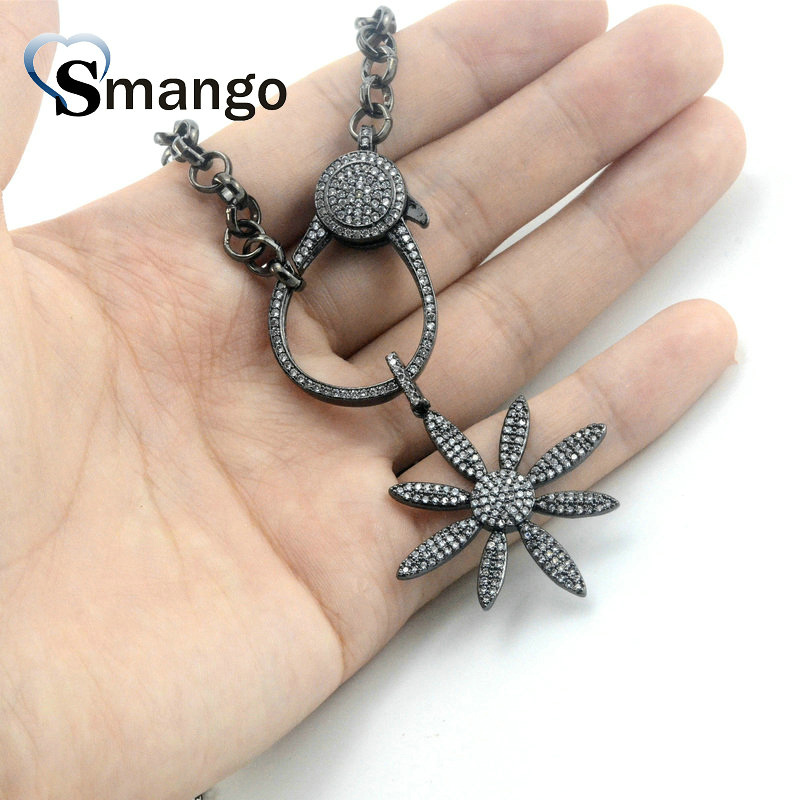 5Pieces Women Fashion Jewelry The Personality Flower Shape Necklace BlackColors Can Wholesale in Chain Necklaces from Jewelry Accessories