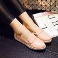 Размер 34-39 Новая Коллекция Весна Осень Женская Обувь Скольжения На Круглый Toe Плоский Каблук кожа PU Твердые Повседневная Женская Обувь Цвет розовый