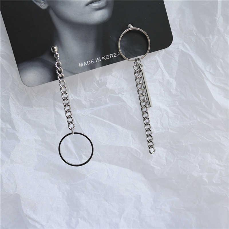 SUKI minimalista cadena de Metal pendientes geométricos Retro Punk Pin cerradura llaves redondos pendientes asimétricos para mujeres Bangtan DNA joyería