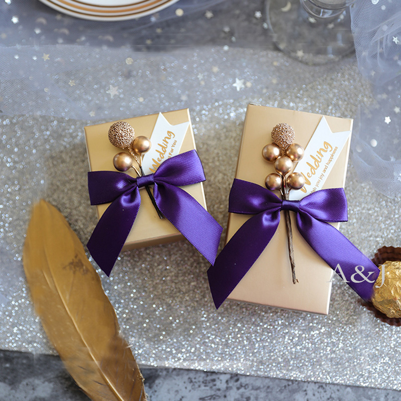 100pcs lot Unique Paper Gold chocolate container candy favor box Engagement party wedding favors boxes for