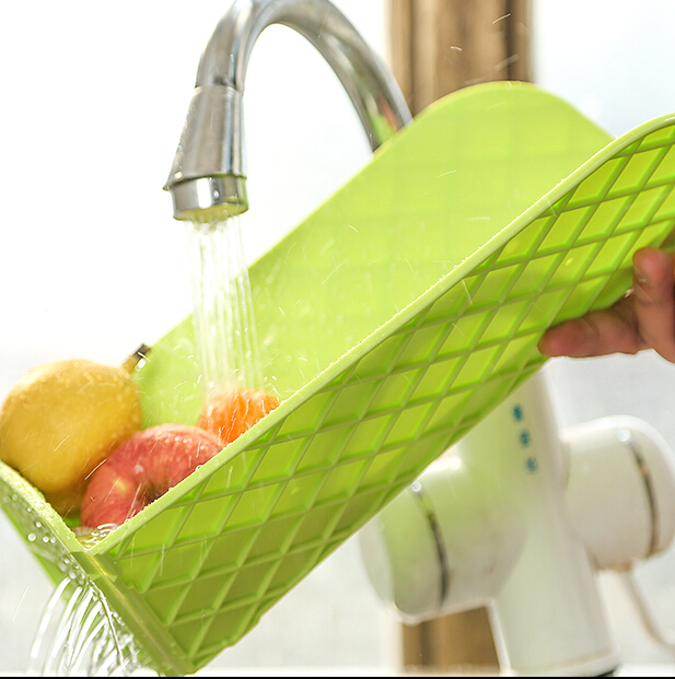 Free Shipping Multifunctional Foldable Drain and Plastic Cutting Board Chopping Boards Kitchen Supplies Colors Vary (00125)
