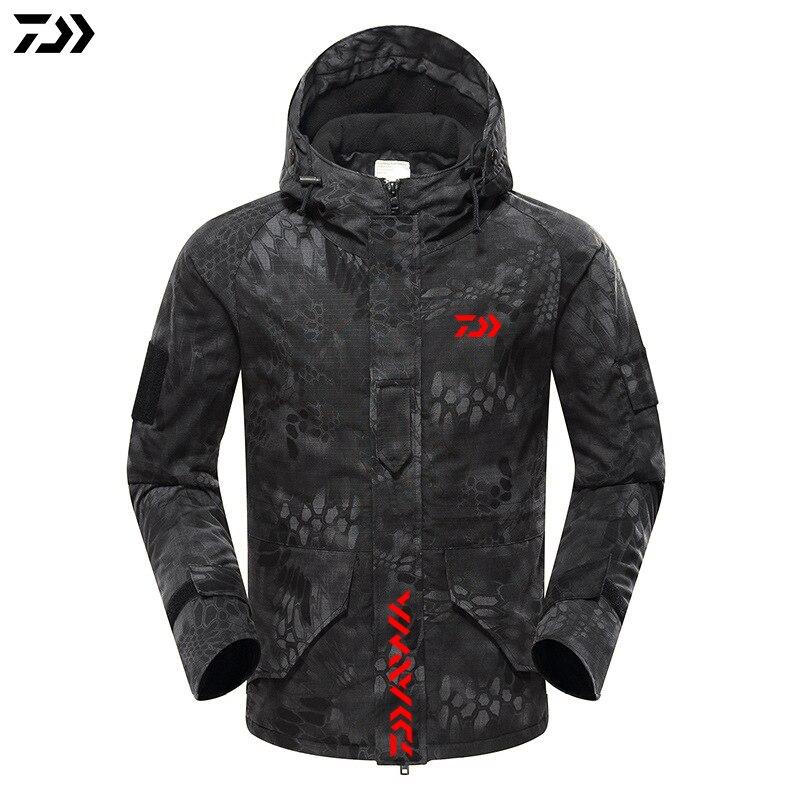 DAIWA 2019 New Jacket Winter Python Camouflage Fishing Coat Velvet Windproof Fishing Hooded Outdoor Keep Warm