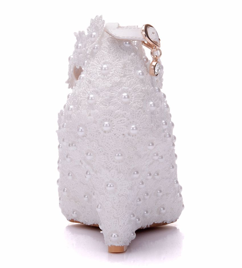 Crystal Queen White Flower Wedding Shoes Lace Pearl High Heels Sweet Bride  Dress Shoes Beading Wedges Shoes 8cm Women Pumps b7f32c9fae84