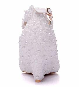 Image 2 - Kristal Kraliçe Beyaz Çiçek Düğün Ayakkabı Dantel Inci Yüksek Topuklu Tatlı gelinlik Ayakkabı Boncuk Takozlar Ayakkabı 8 cm Kadın Pompaları