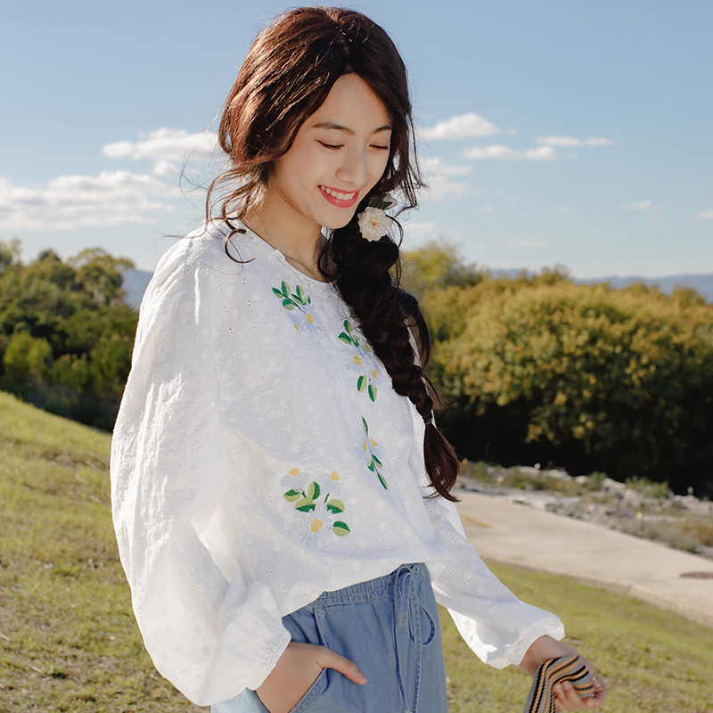 INMAN 2019 New Products Women Spring Clothes Embroidered Round Neck   Shirt   Women Loose Pullovers   Blouses     Shirts