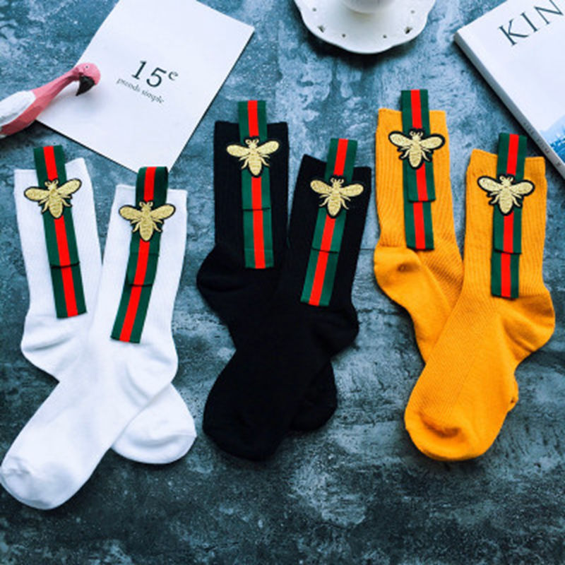 Ins Hot Sale Fashion Women Creative Small Bee Embroidery Socks Retro Style Lovely Solid Shiny Silk Ribbon Mid Socks 2018 Newest