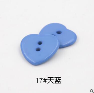 Красивые 1 лот = 100 шт полимерные кнопки в форме сердца 2 отверстия пластиковые кнопки Швейные аксессуары для одежды DIY для детской одежды кнопка мешок - Цвет: 17-sky blue