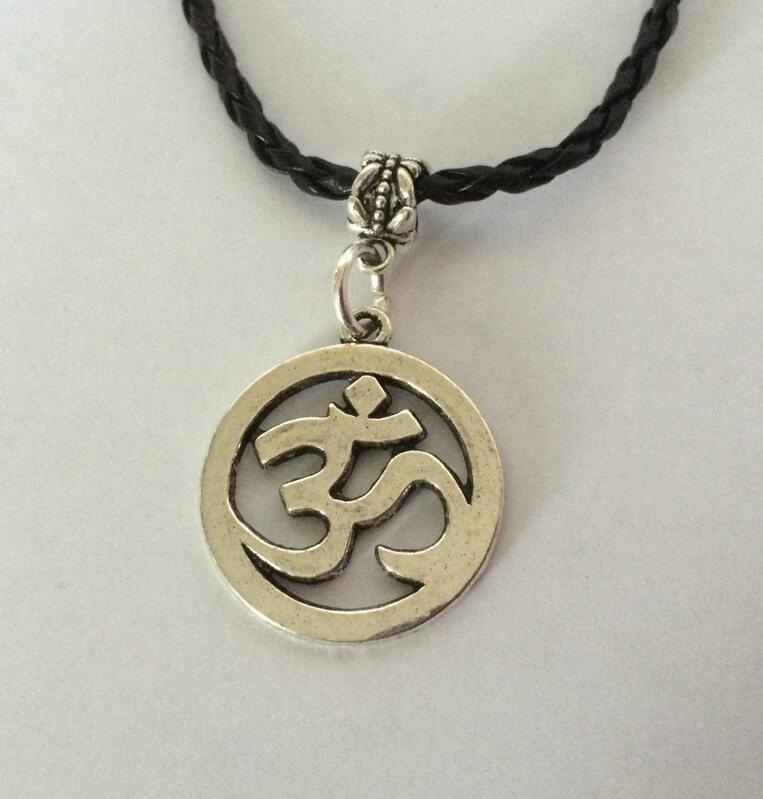 Fashion Vintage Silver OM OHM Aum Yoga Hindi Omkara Symbol Charms Pendants Necklace Collar Jewelry For Women Girl Gift 1pcs/lot