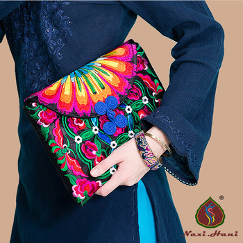 Newest Vintage embroidered bags for women Fashion Butterfly button color canvas Women clutches Ethnic small handbags