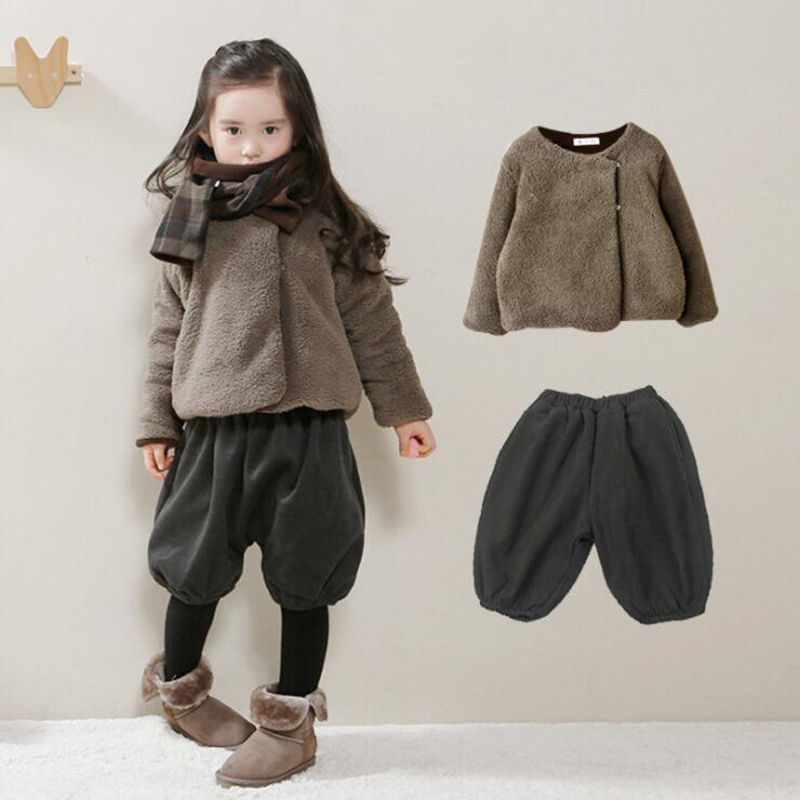 2pcs Korean version of the new children's winter baby girl sports plus velvet hoodie coat + pants sets children's clothing suits 2017 korean version of the thickening of female workers in the long coat lambskin coat winter coat large size coat