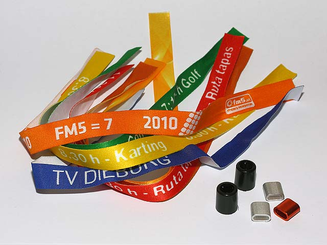 mejores zapatillas de deporte 501a1 cc4dc PULSERAS DE TELA Y CINTAS PERSONALIZADAS-in Ribbons from ...