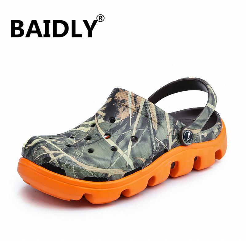 Hole Water Shoes Men Aqua Shoes Quick Dry Sea Slippers Diving Swimming Barefoot Slip On Beach Slippers Fishing Clogs Sandals