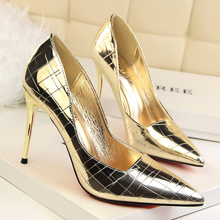 Lady Patent Leather Nightclub Snake Dress Pumps Women Crocodile Pattern Pointed Toe Shinny Sexy Party High Heels Pumps Shoes 1