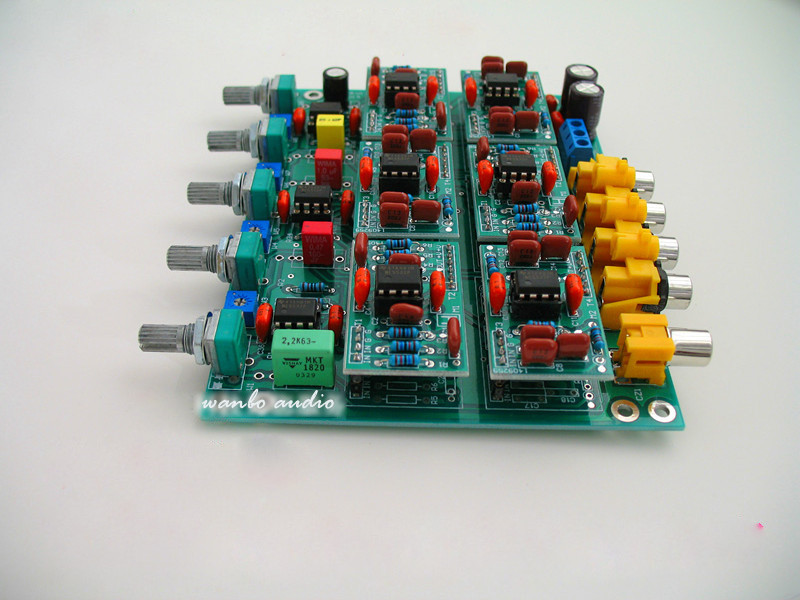 bilder für 2/3/4 Way Range Aktive Crossover Zwei Drei Vier Verschiedenen Frequenz Teiler Mit Netzteil-platine