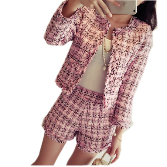 2018 Autumn Winter Tweed Two Piece Set Women Slim Plaid Short Set Fashion Fringed Trim Jacket Coat + Tassels Short Pant Suit
