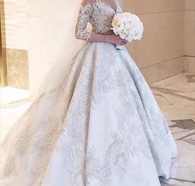 2016 Luxury Queen Style Embroidery Lace Bridal Dress Cathedral Train Long Sleeve Wedding Dress