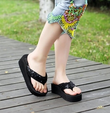 Style Summer time Sequins Ladies Flip Flops Shine Good High quality Feminine Slippers Ladies's Sandals Low cost Widespread Stunning Woman Sandals