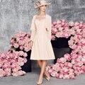 Coral Chiffon Comprimento Do Joelho Mãe dos Vestidos de Noiva Com Jaqueta de 2017 Vestidos de noiva Sem Mangas Vestidos de Festa de Casamento do baile de Finalistas