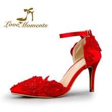 f49c02a7ec90a4 Sandales À Talons Hauts Femmes Pompes Sexy Rouge Satin femme de mariage  chaussures à bout pointu Dentelle de mariée pompes robe .