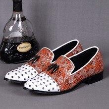 Christia Bella Nuevo Metal Firma Diente de Tiburón de Los Hombres Mocasines Remache de La Boda Vestido de Los Hombres Zapatos Planos de Los Hombres de Negocios Zapatos Formales de Moda