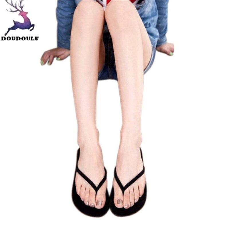 2018 Nuovi Pistoni Di Estate Delle Donne Di Vibrazione Casuale Cadute Di Scarpe Sandali Della Donna Di Modo Femminili Piatto Slipper Indoor & Outdoor Flip-flop