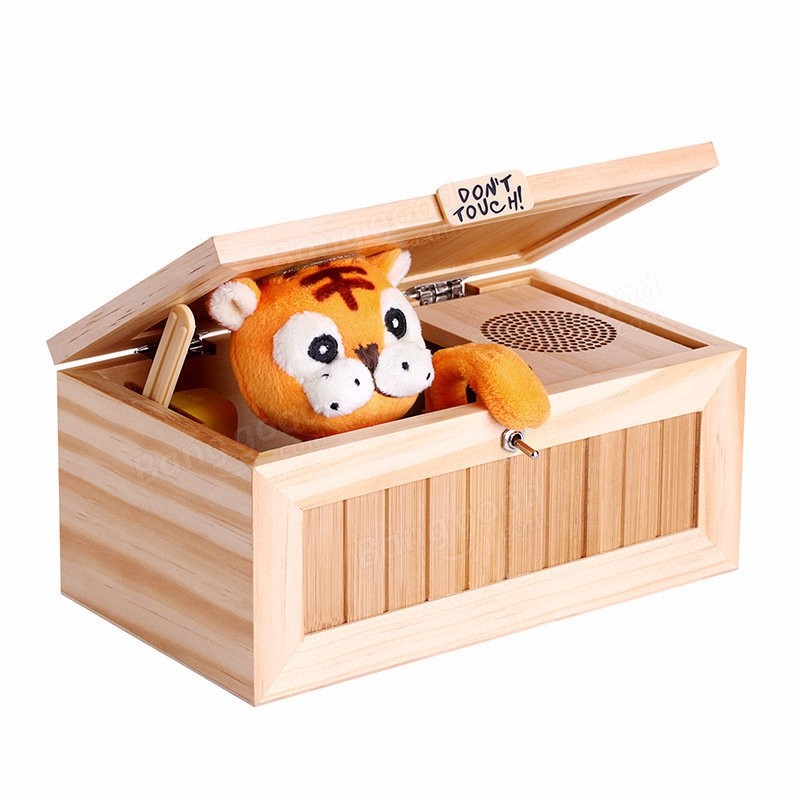 2017 New Upgrade Wooden Electronic Useless Box with Sound Cute Tiger 20 Modes Funny Toy Gift Stress-Reduction Desk Decoration