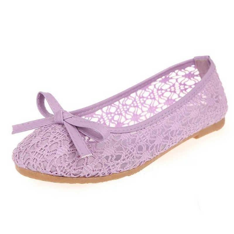 女性バレエシューズフラットカットアウトレザー Breathbale Moccains 女性のボートの靴バレリーナ女性の靴