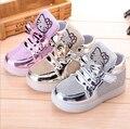 Zapatos de los niños 2016 Nueva Primavera Hello Kitty Rhinestone Zapatos de la Princesa de Las Muchachas Zapatos Lindos Con Luz Led de LA UE 21-30