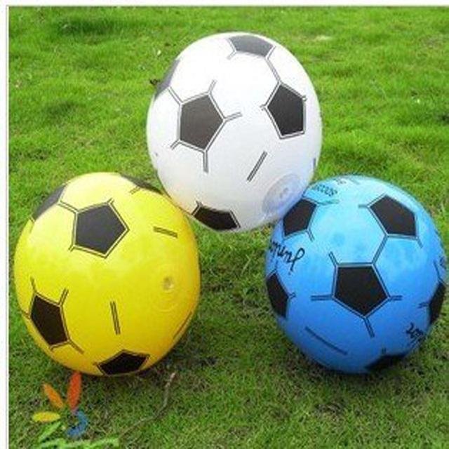 84335ac2e5fc1 10 pçs lote frete grátis Bola Inflável 20 cm Futebol crianças brinquedos  Mini Bola De