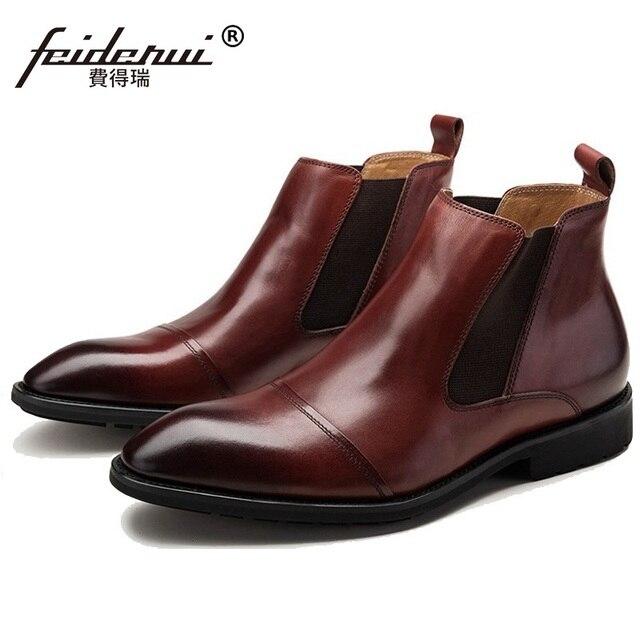 0abd15215925 Famous Luxury Spitzschuh Mann Reiten Schuhe Männlichen Designer Aus Echtem Leder  Schuhe herren Outdoor Chelsea Stiefeletten