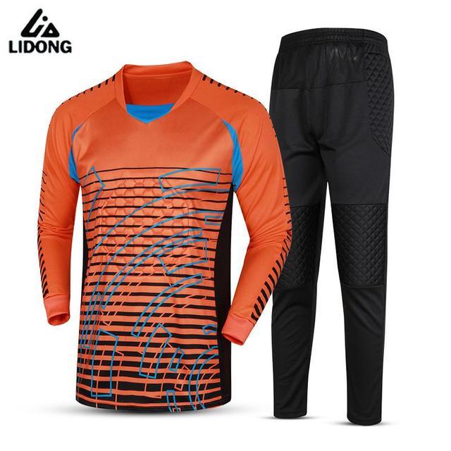 Hombres Calientes de la marca de fútbol portero Jersey juegos de fútbol  Goal Keeper uniformes traje ef49aca9625c1