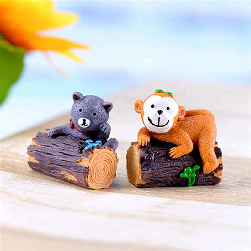 Creative Panda Pig Monkey Cat Resin Ornaments Moss Micro Landscape World Ornament Home Garden Decoration Accessaries
