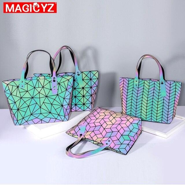 Large Capacity Holographic Handbag 3