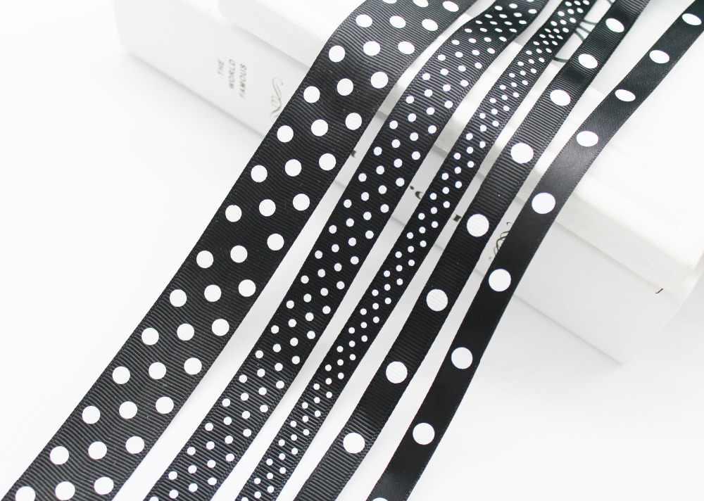 """שחור לבן מנוקדת מודפס מבהיקי סאטן סרטי 1/4 """"(6 מ""""מ), 3/8 """"(9 מ""""מ), 5/8"""" (16mm), 7/8 """"(22mm), 1-1/2"""" (38mm) עבור DIY מתנות"""