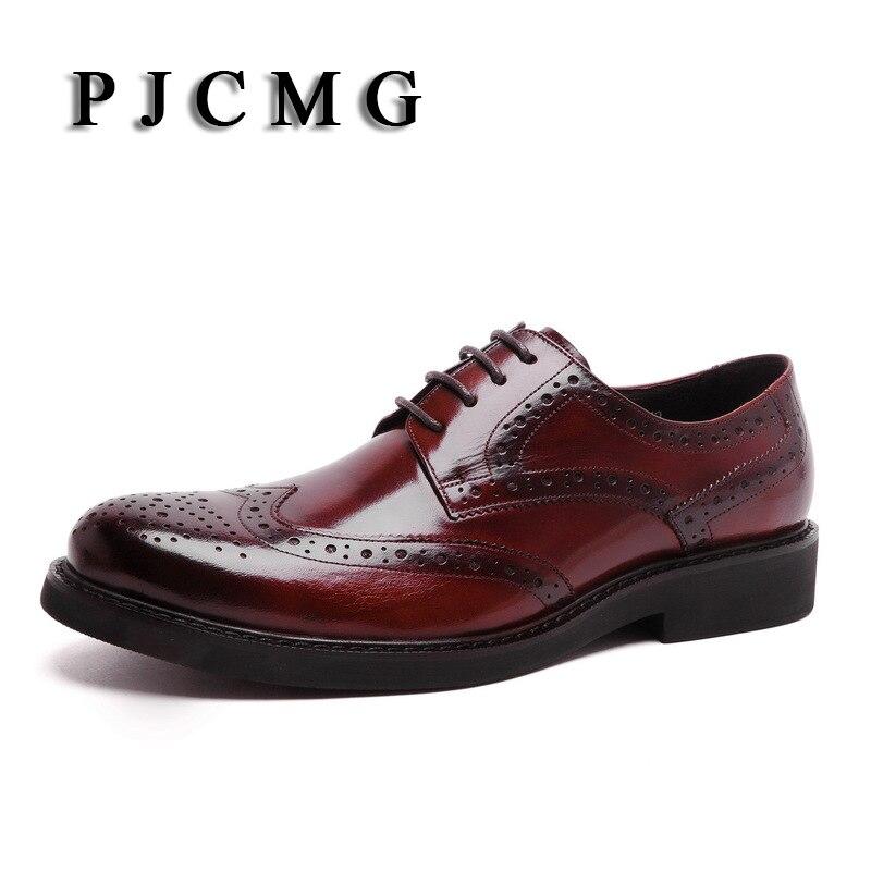PJCMG Hoge Kwaliteit Mannen Oxfords Stijl Gesneden Lederen Bruin/Zwart Brogue Lace Up Bullock Business mannen Flats Schoenen-in Oxfords van Schoenen op  Groep 3