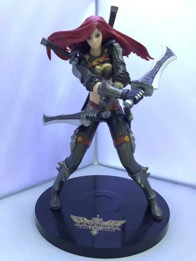 ФОТО 1pcs The Sinister Blade Katarina game character action pvc figure toy model tall 18cm in box hot sell.
